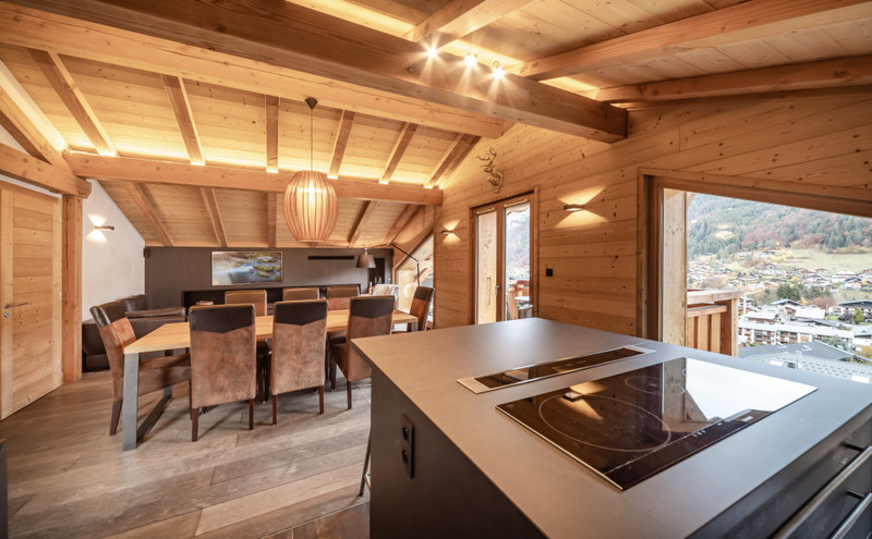 French property for sale in Morzine, Haute Savoie - €1,100,000 - photo 4
