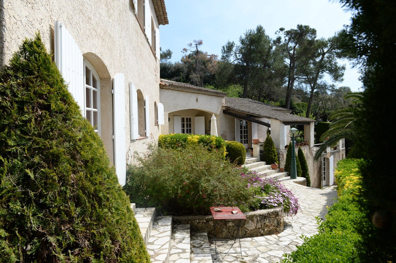 French property for sale in Saint-Paul-de-Vence, Alpes-Maritimes - €2,490,000 - photo 2