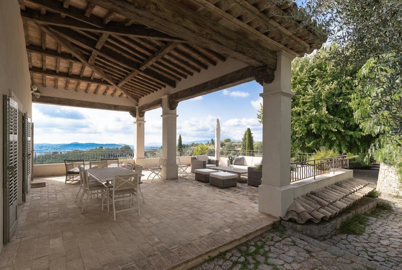 French property for sale in Châteauneuf-Grasse, Alpes-Maritimes - €5,900,000 - photo 2