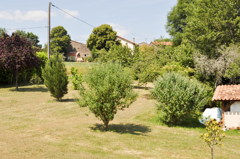 Maison à vendre à Nontron, Dordogne - 349 800 € - photo 10
