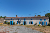property to renovate for sale in Saint-Pierre-de-l'IsleCharente_Maritime Poitou_Charentes