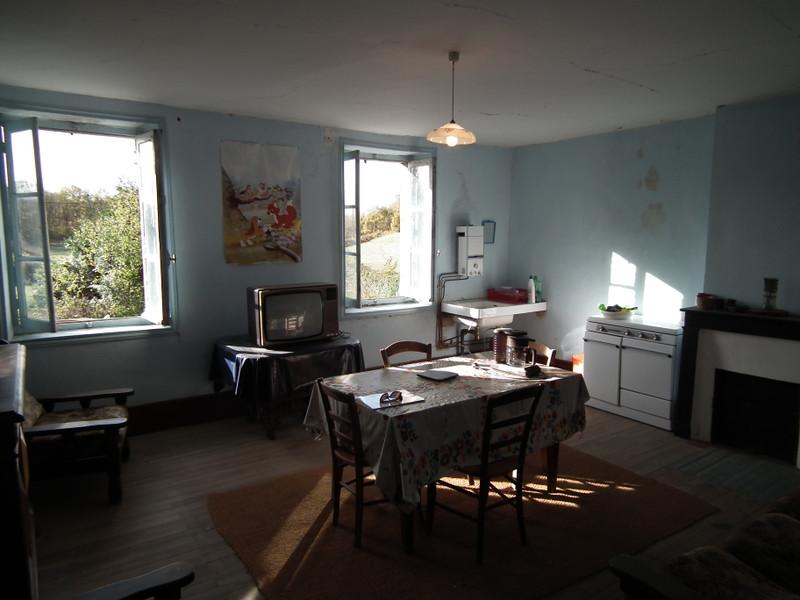Maison à vendre à Auzances, Creuse - 25 000 € - photo 8