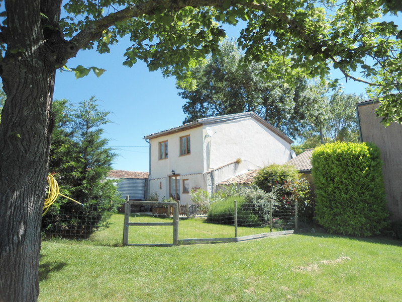 French property for sale in Tonneins, Lot-et-Garonne - €375,000 - photo 3