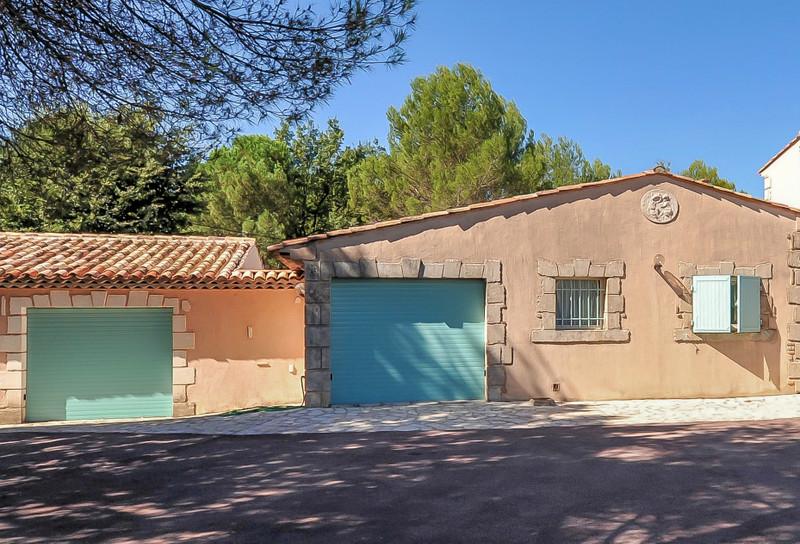 French property for sale in Saint-Paul-en-Forêt, Var - €1,050,000 - photo 10