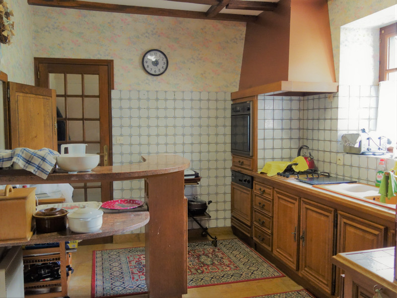 French property for sale in Champgenéteux, Mayenne - €224,700 - photo 5