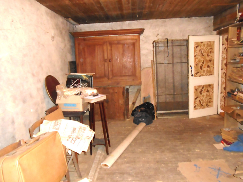 French property for sale in Millac, Vienne - €71,600 - photo 9