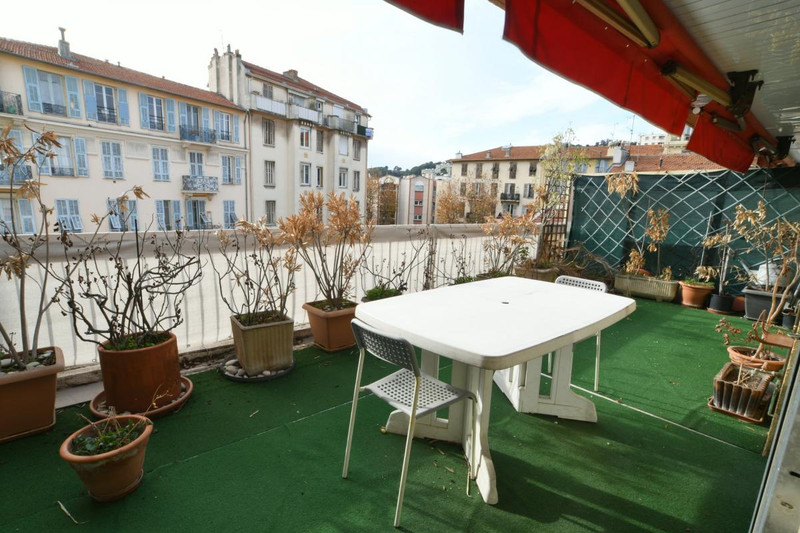French property for sale in Nice, Alpes-Maritimes - €230,000 - photo 3