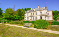 chateau for sale in QuantillyCher Centre