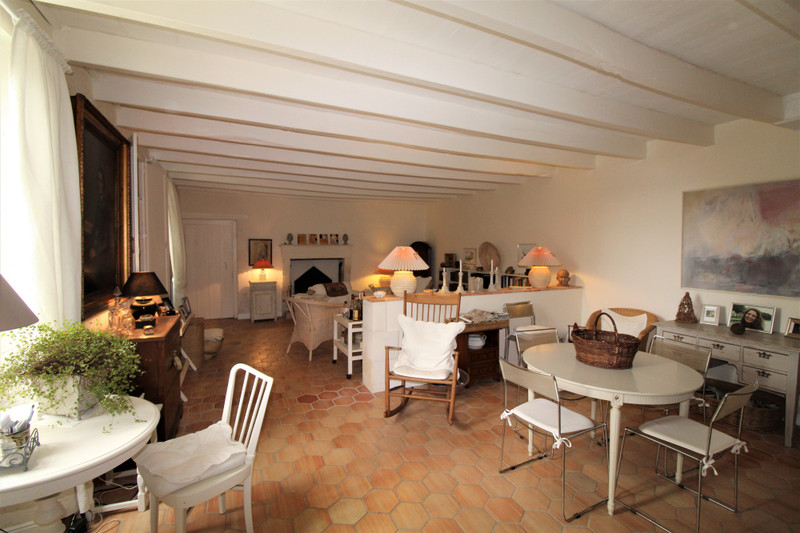 French property for sale in Salles-Lavalette, Charente - €349,800 - photo 4