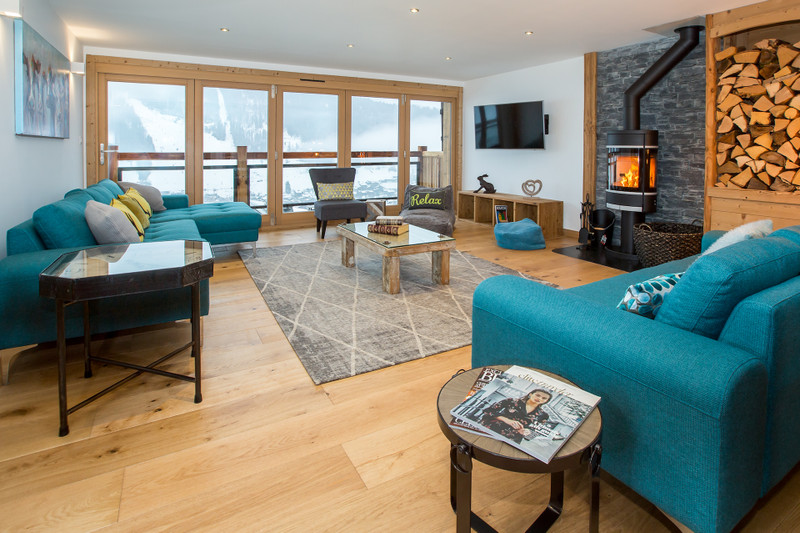 French property for sale in Morzine, Haute-Savoie - €1,950,000 - photo 2