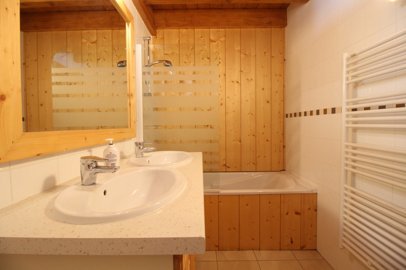 French property for sale in Vaujany, Isère - €795,600 - photo 9