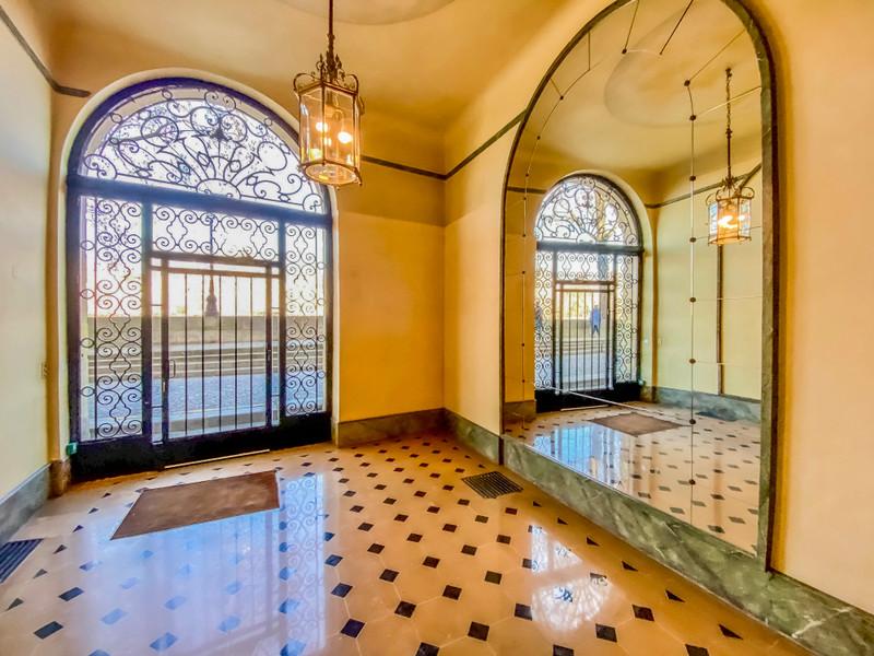 Appartement à vendre à Paris 4e Arrondissement, Paris - 1 050 000 € - photo 2