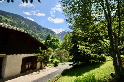 POSSIBILITÉ DE VISITE VIDÉO SI VOUS NE POUVEZ PAS VOUS DEPLACER POUR LE MOMENT   Grand chalet de 300m2  A VENDRE à Saint Gervais, vue imprenable sur le Mont Blanc, à moins d'une heure de Genève. EXCLUSIF sur le site de LEGGETT IMMOBILIER  ne manquez pas les visites virtuelles à 360º et les plans en 3D