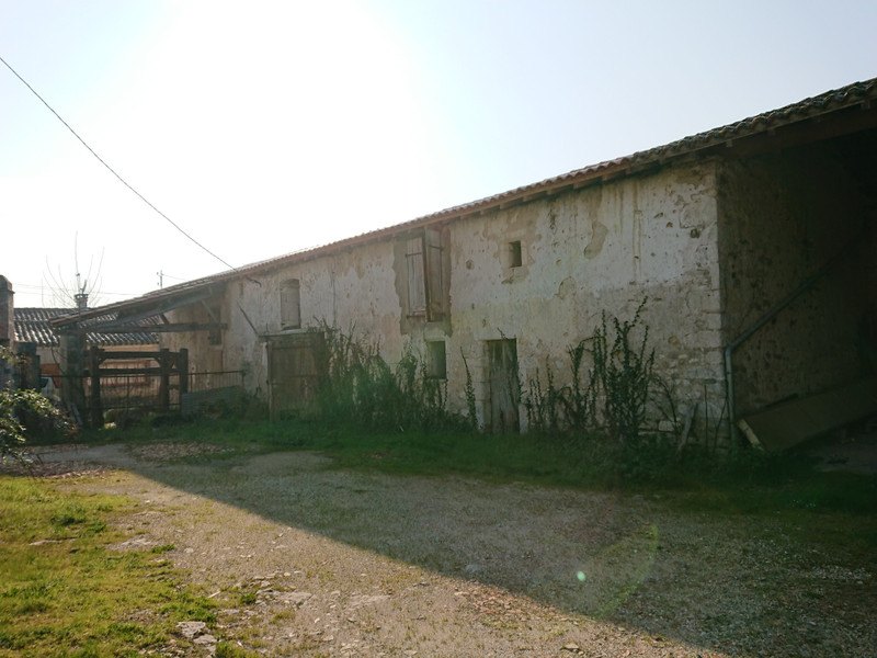 French property for sale in Mornac, Charente - €108,000 - photo 9