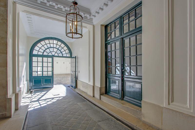 French property for sale in Paris 4e Arrondissement, Paris - €787,500 - photo 2