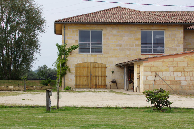 French property for sale in Saint-Loubès, Gironde - €1,260,000 - photo 2