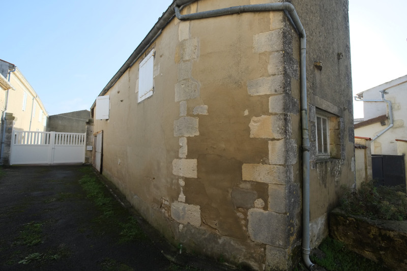 French property for sale in Voissay, Charente Maritime - €26,000 - photo 5