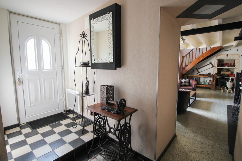 French property for sale in Ruelle-sur-Touvre, Charente - €227,900 - photo 3