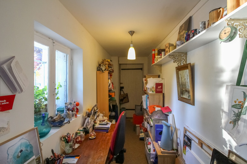 French property for sale in Taillebourg, Charente-Maritime - €180,000 - photo 3