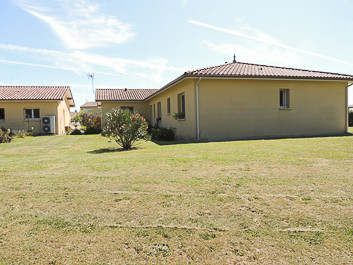 French property for sale in Riscle, Gers - €275,000 - photo 3