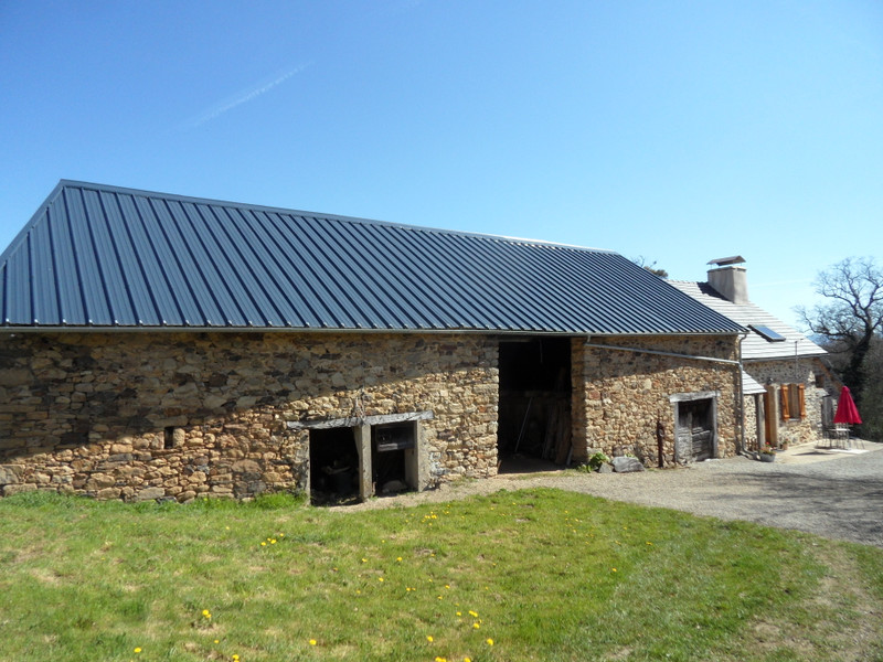 French property for sale in Uzerche, Corrèze - €149,990 - photo 2