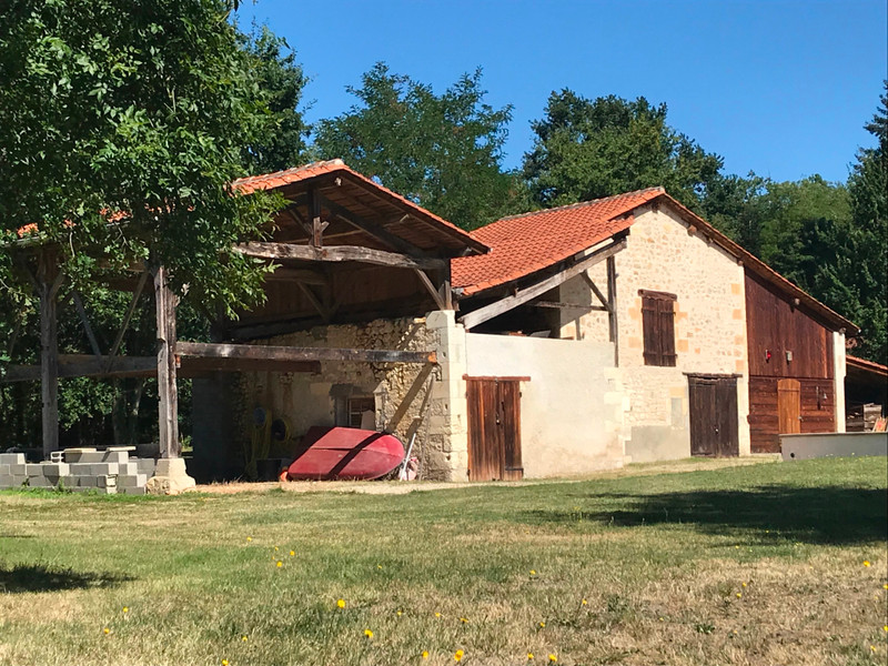 French property for sale in Chalais, Charente - €315,650 - photo 2