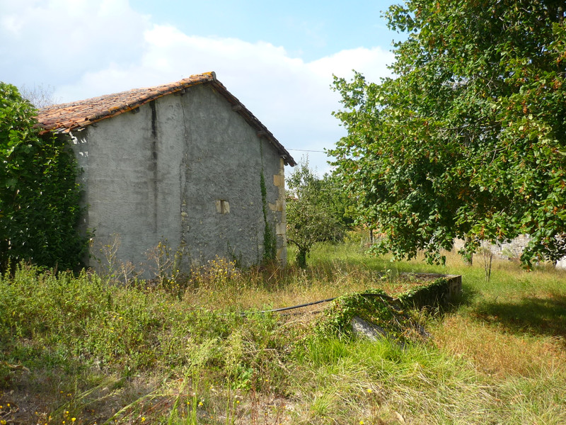 French property for sale in Villebois-Lavalette, Charente - €25,000 - photo 10