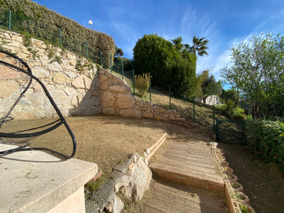 NEW : Nice Colline SEA VIEW Saint Pierre de Feric - Exclusive- Contemporary 3 bedroom apartment of 108m2 with sea views, pool. 2 parkings and cellar. Video on request  !