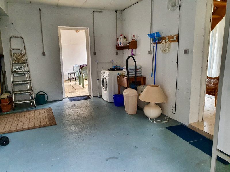 French property for sale in La Roche-Bernard, Morbihan - €189,000 - photo 4