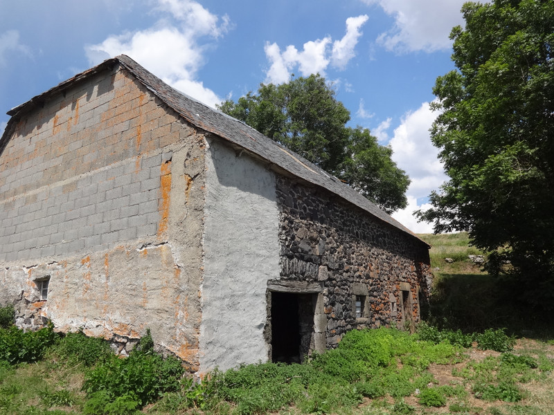 French property for sale in Landeyrat, Cantal - €46,600 - photo 3