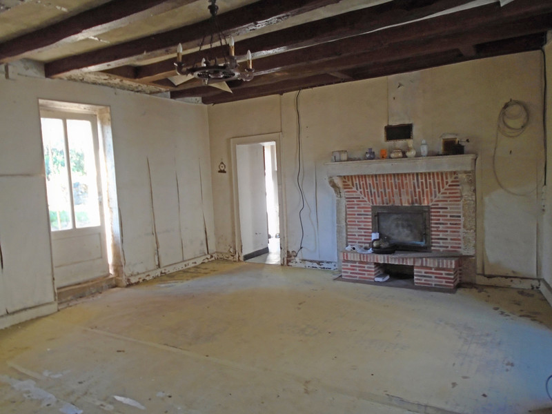 French property for sale in Mauprévoir, Vienne - €37,600 - photo 4