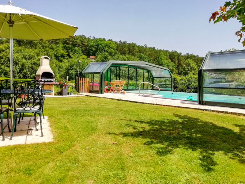 French property for sale in Meyrals, Dordogne - €299,600 - photo 9