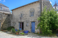 French property, houses and homes for sale inAsnières-la-GiraudCharente-Maritime Poitou_Charentes