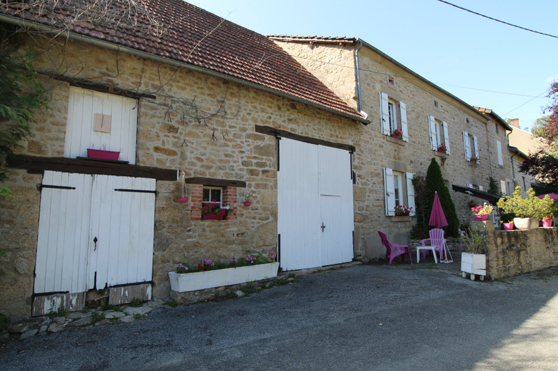 French property for sale in Chavanat, Creuse - €149,000 - photo 2