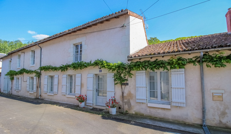 French property for sale in Richelieu, Indre-et-Loire - €399,000 - photo 10