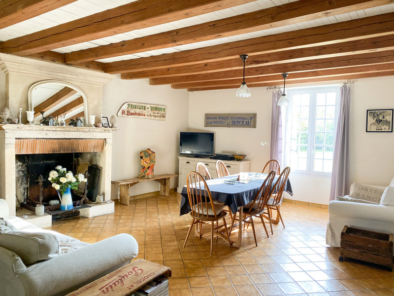 French property for sale in Vergné, Charente-Maritime - €556,500 - photo 4