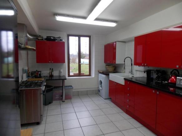 French property for sale in La Souterraine, Creuse - €172,800 - photo 4