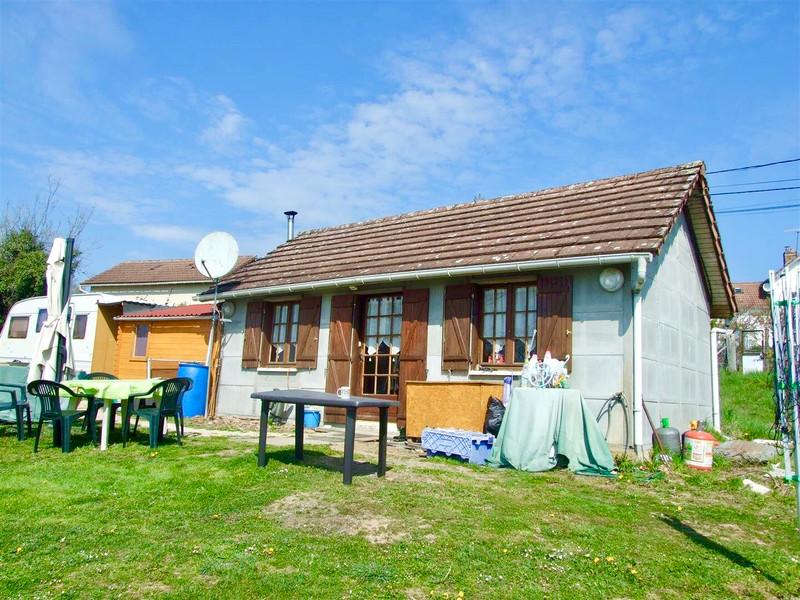 French property for sale in Saint-Yrieix-la-Perche, Haute-Vienne - €150,000 - photo 2