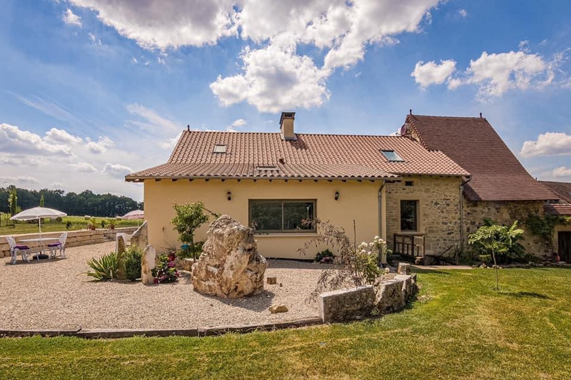 French property for sale in Thiviers, Dordogne - €898,300 - photo 7