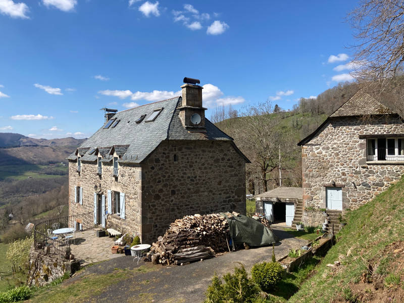 French property for sale in Thiézac, Cantal - €524,700 - photo 2