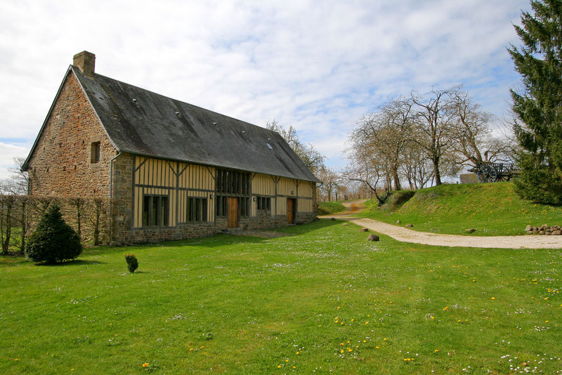 French property for sale in Barenton, Manche - €530,000 - photo 4