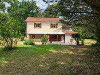 French property, houses and homes for sale in Lauzun Lot-et-Garonne Aquitaine