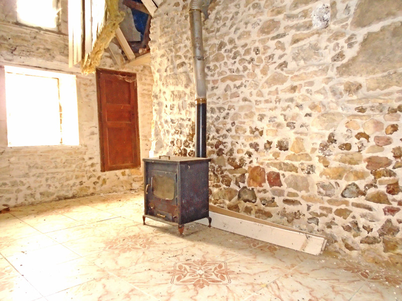 French property for sale in Benest, Charente - €27,000 - photo 6