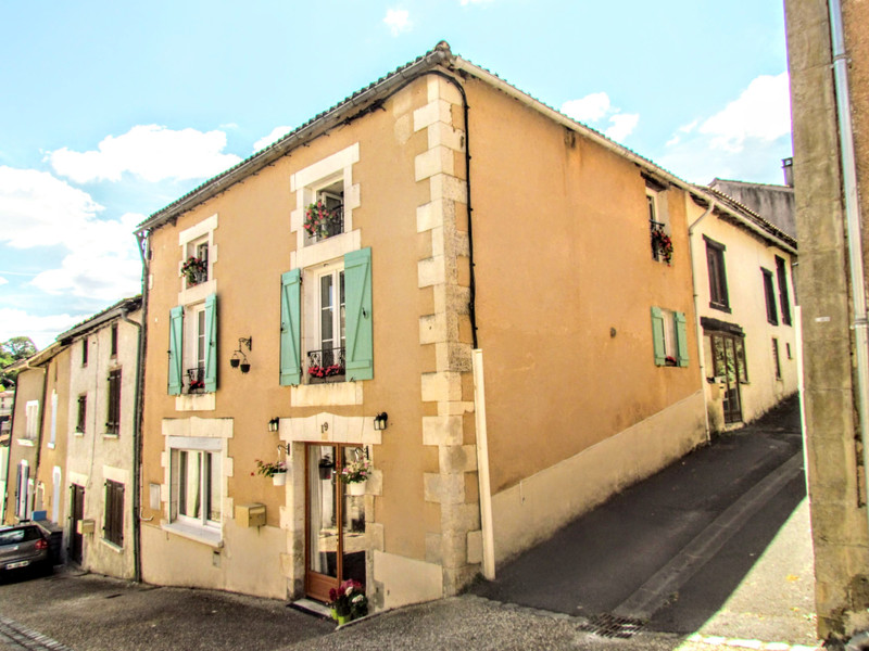 French property for sale in Le Vigeant, Vienne - €89,500 - photo 2