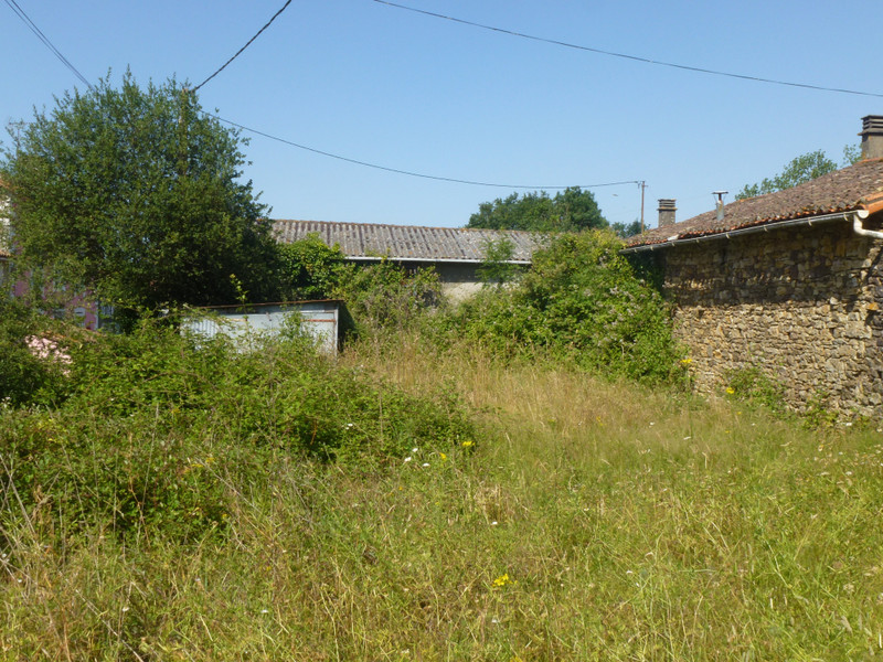 French property for sale in Clavé, Deux Sevres - €19,000 - photo 3