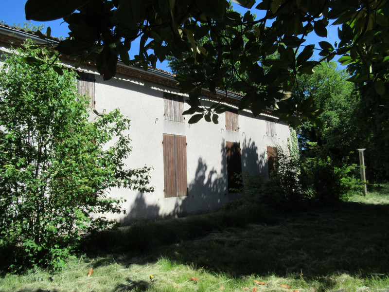 French property for sale in Aiguillon, Lot-et-Garonne - €240,000 - photo 2