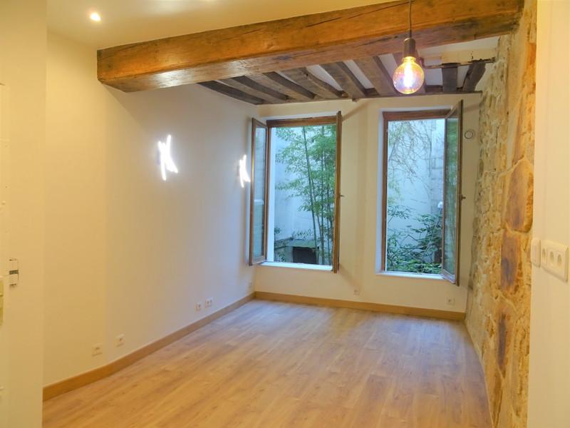 French property for sale in Paris 2e Arrondissement, Paris - €340,000 - photo 3