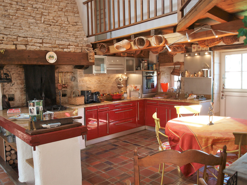 French property for sale in Vanzay, Deux-Sèvres - €666,740 - photo 9