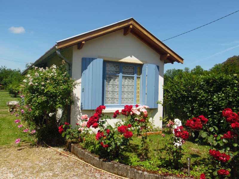French property for sale in Bourg, Gironde - €324,360 - photo 4