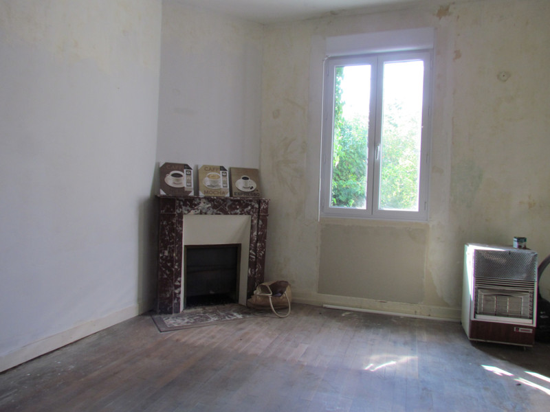 French property for sale in L'Isle-Jourdain, Vienne - €56,600 - photo 6